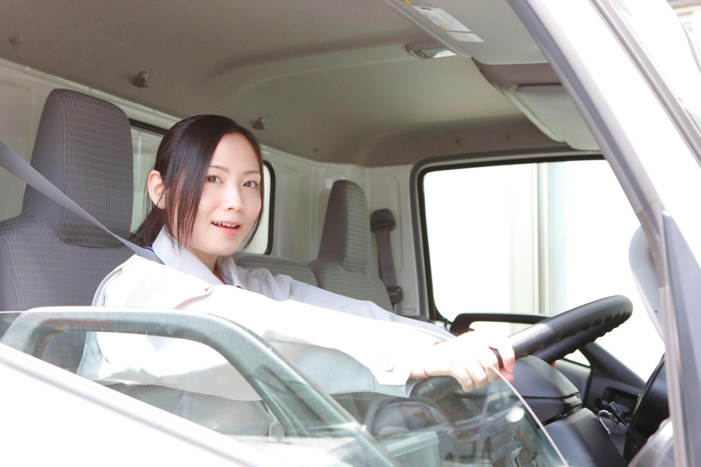 トラック運転手の仕事内容(運転以外)が分かる動 …